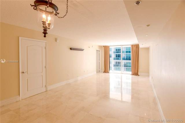 1200 Brickell Bay Dr #1709, Miami, FL 33131 (MLS #A10948498) :: ONE Sotheby's International Realty