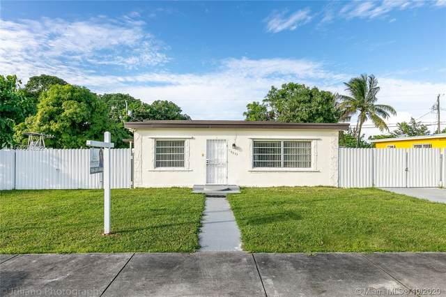10055 SW 171st St, Perrine, FL 33157 (MLS #A10948622) :: Jo-Ann Forster Team