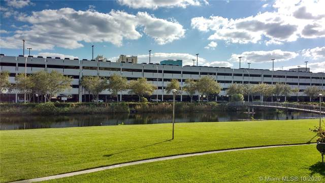 7590 SW 82nd St F220, Miami, FL 33143 (MLS #A10948642) :: Equity Advisor Team