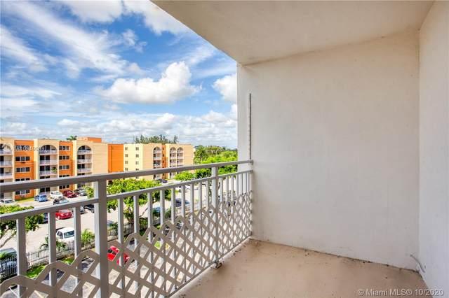 6960 Miami Gardens Dr 2-518, Hialeah, FL 33015 (MLS #A10949609) :: ONE Sotheby's International Realty