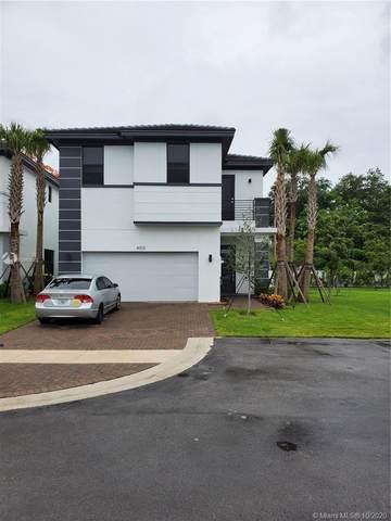 4903 Whispering Way, Dania Beach, FL 33312 (MLS #A10950068) :: Carole Smith Real Estate Team