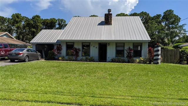 798 SE Walters Ter, Port Saint Lucie, FL 34983 (MLS #A10950151) :: The Riley Smith Group