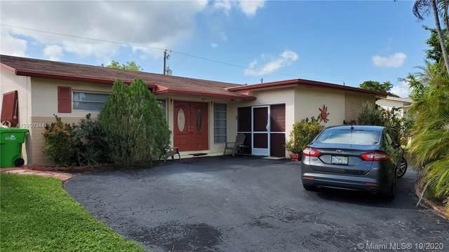 8460 NW 29th St, Sunrise, FL 33322 (MLS #A10950344) :: Berkshire Hathaway HomeServices EWM Realty