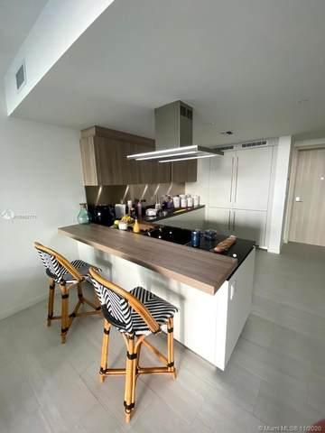 1000 Brickell Plz #3304, Miami, FL 33131 (MLS #A10952771) :: Castelli Real Estate Services