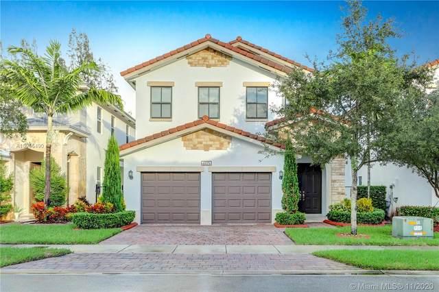 6925 NW 104th Ct, Doral, FL 33178 (MLS #A10955490) :: Carole Smith Real Estate Team
