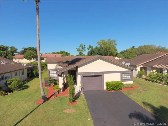 8915 Old Pine Rd, Boca Raton, FL 33433 (MLS #A10956976) :: Julian Johnston Team