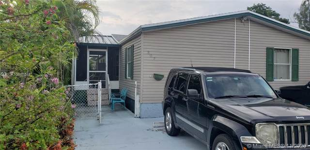 19800 SW 180th Ave Lot 507, Miami, FL 33187 (MLS #A10957048) :: Berkshire Hathaway HomeServices EWM Realty