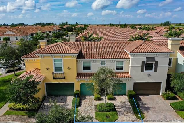 3311 NW 125th Ave, Sunrise, FL 33323 (MLS #A10957057) :: Berkshire Hathaway HomeServices EWM Realty