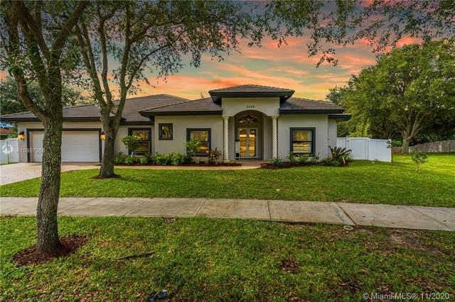 4325 SW 74th Way, Davie, FL 33314 (MLS #A10957366) :: Albert Garcia Team