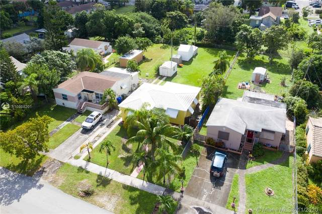 2466 Fillmore St, Hollywood, FL 33020 (MLS #A10958201) :: Berkshire Hathaway HomeServices EWM Realty