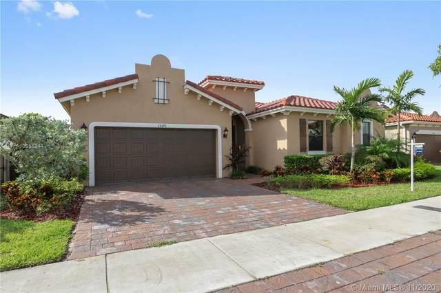 15370 SW 176th Ln, Miami, FL 33187 (MLS #A10958344) :: Miami Villa Group
