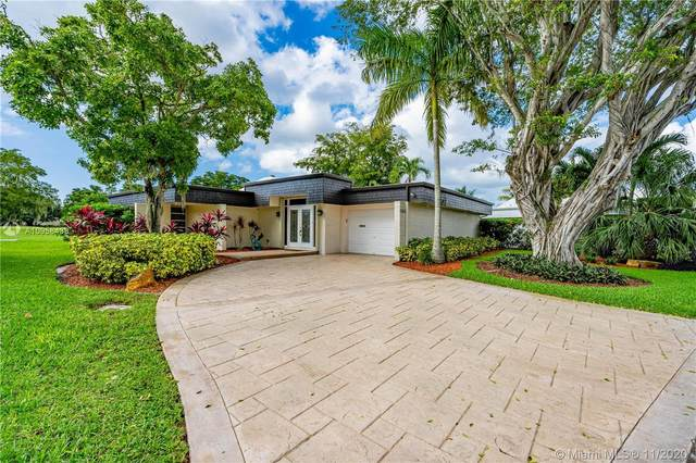 5205 Banyan Ln, Tamarac, FL 33319 (MLS #A10958438) :: Miami Villa Group