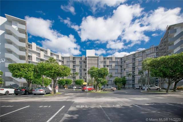 20400 W Country Club Dr #819, Aventura, FL 33180 (MLS #A10958971) :: ONE Sotheby's International Realty