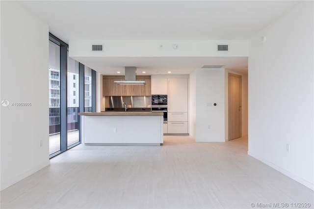 1000 Brickell Plz #3015, Miami, FL 33131 (MLS #A10959805) :: Carole Smith Real Estate Team