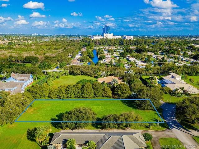 5901 SW 54th Ct, Davie, FL 33314 (MLS #A10960945) :: Green Realty Properties
