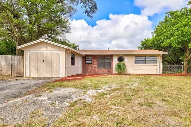 111 NE 25th St, Pompano Beach, FL 33064 (MLS #A10961085) :: Miami Villa Group