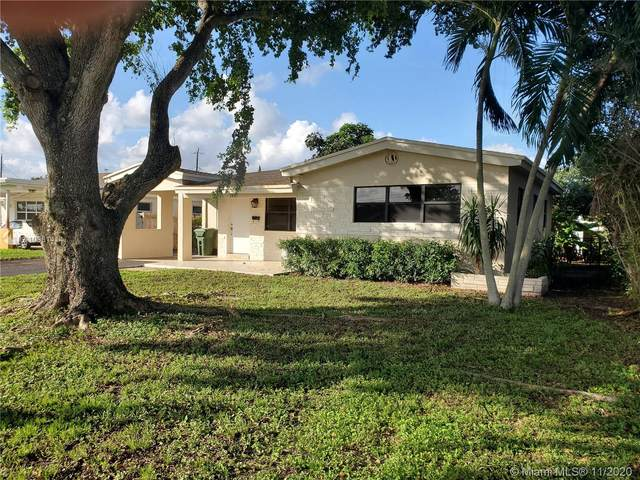 7041 SW 12th St, Pembroke Pines, FL 33023 (MLS #A10961414) :: Miami Villa Group