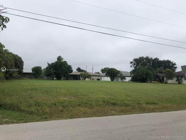 461 SE 16th Pl, Cape Coral, FL 33990 (MLS #A10961468) :: Castelli Real Estate Services