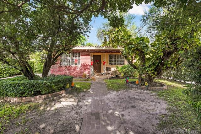 7455 S Waterway Dr, Miami, FL 33155 (MLS #A10961637) :: The Riley Smith Group
