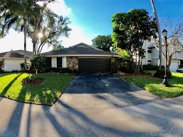 94 Juniper Rd, Hollywood, FL 33021 (MLS #A10961855) :: ONE | Sotheby's International Realty