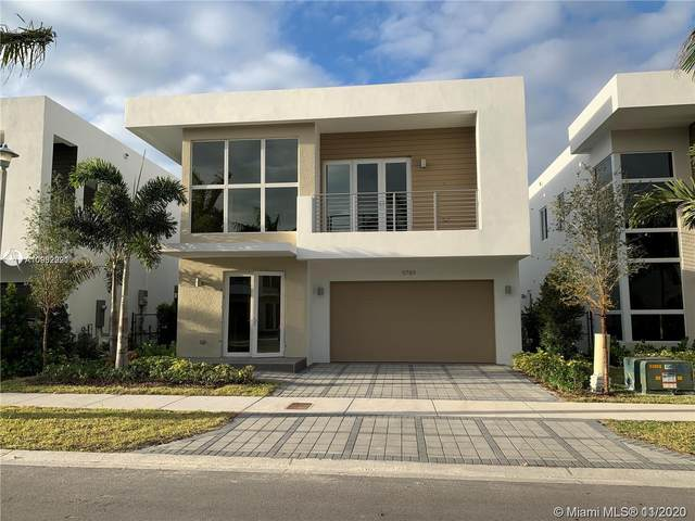 9789 NW 75th St, Doral, FL 33178 (MLS #A10962921) :: Carole Smith Real Estate Team