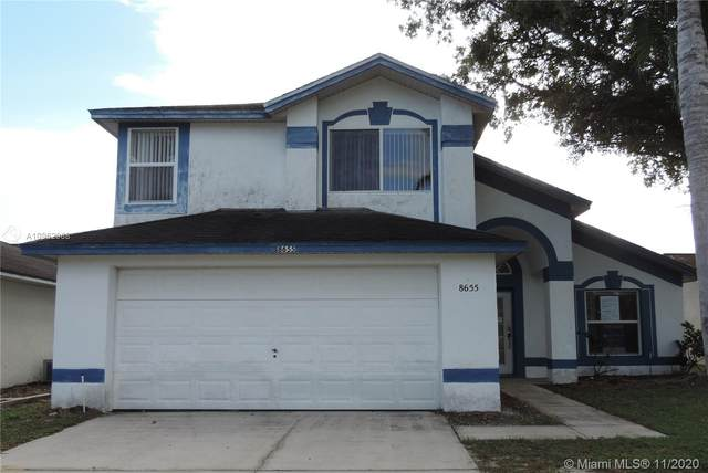 8655 Wellington Loop, Kissimmee, FL 34747 (MLS #A10962968) :: Miami Villa Group