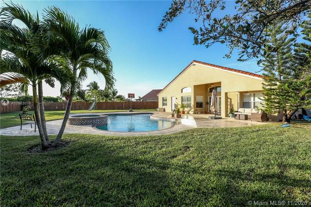 19176 SW 12th St, Pembroke Pines, FL 33029 (MLS #A10963078) :: United Realty Group