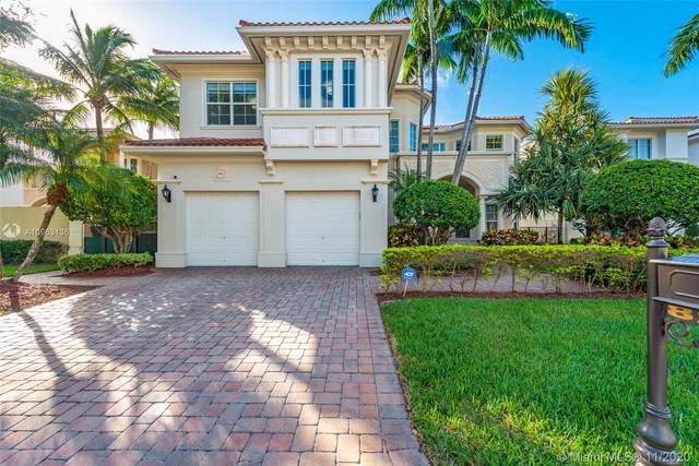 822 Meridian Ln, Hollywood, FL 33019 (MLS #A10963136) :: Green Realty Properties