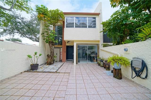 Miami, FL 33173 :: The Riley Smith Group