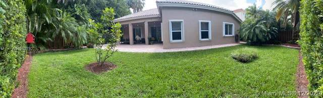 6801 NW 111th Ave, Doral, FL 33178 (MLS #A10963792) :: The Paiz Group