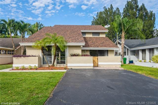 8411 SW 39th Ct, Davie, FL 33328 (MLS #A10964878) :: The Teri Arbogast Team at Keller Williams Partners SW