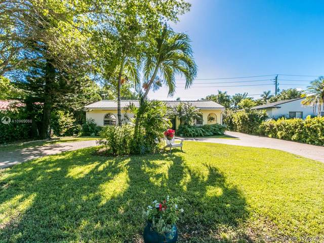 1124 Moffett St, Hallandale Beach, FL 33009 (MLS #A10965066) :: Laurie Finkelstein Reader Team