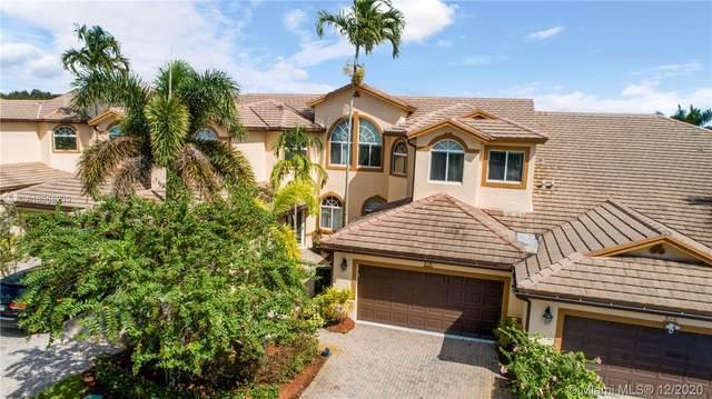 814 W Village Circle, Davie, FL 33325 (MLS #A10965239) :: Green Realty Properties