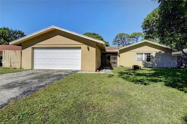 725 Place Chateau, Delray Beach, FL 33445 (MLS #A10965298) :: Julian Johnston Team