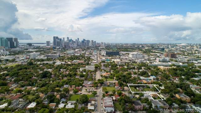 250 NW 33rd St, Miami, FL 33127 (MLS #A10965329) :: The Riley Smith Group