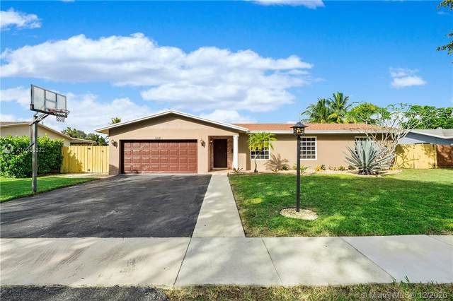 6641 Peters Rd, Plantation, FL 33317 (MLS #A10965372) :: The Howland Group