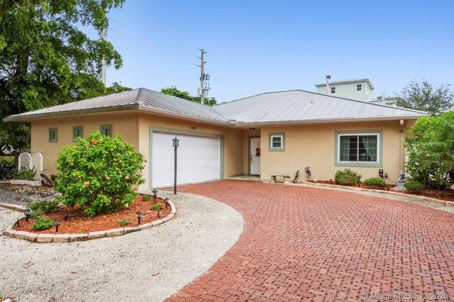 480 NW 78th Ave, Plantation, FL 33324 (MLS #A10965692) :: The Howland Group