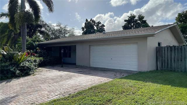 801 NW 72nd Ave, Plantation, FL 33317 (MLS #A10966395) :: Patty Accorto Team
