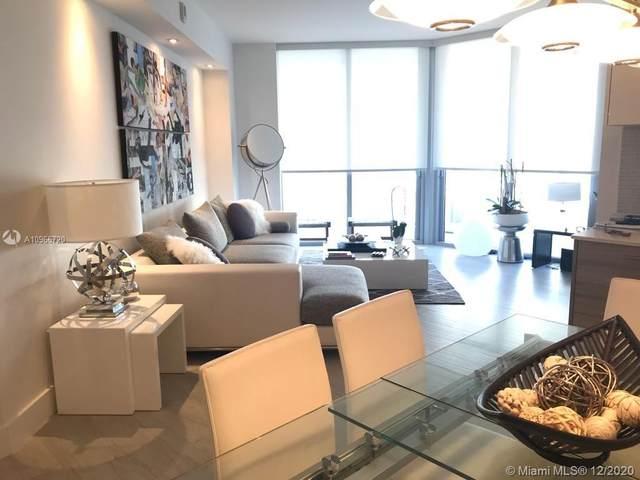 1300 Brickell Bay Dr #2510, Miami, FL 33131 (MLS #A10966720) :: Green Realty Properties