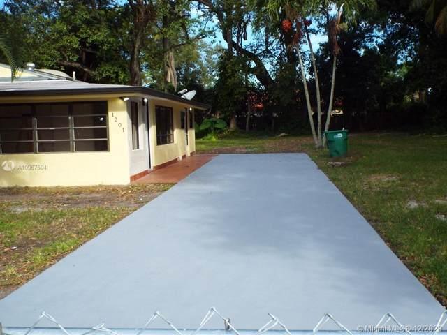1201 NE 147th St, Miami, FL 33161 (MLS #A10967504) :: Carole Smith Real Estate Team