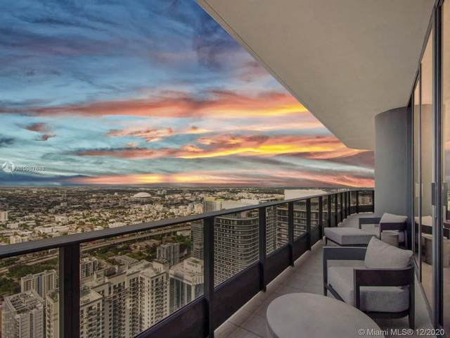 1000 Brickell Plz Ph5807, Miami, FL 33131 (MLS #A10967688) :: Patty Accorto Team