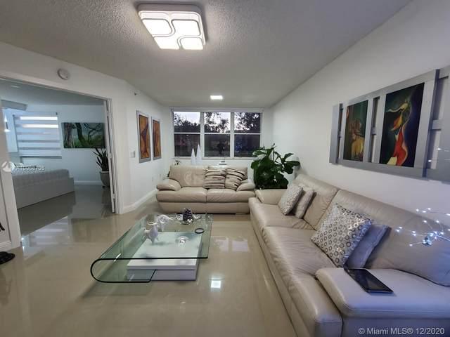 2601 N Nob Hill Rd #109, Sunrise, FL 33322 (MLS #A10968706) :: Albert Garcia Team