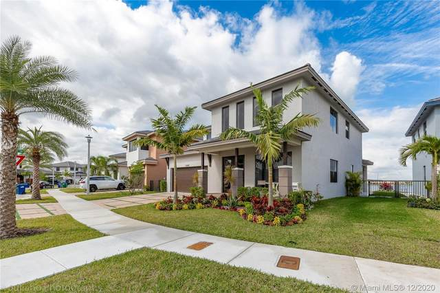 15540 NW 88th Ave, Miami Lakes, FL 33018 (MLS #A10968933) :: Laurie Finkelstein Reader Team