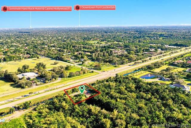 S Flamingo Rd, Davie, FL 33325 (MLS #A10969681) :: Berkshire Hathaway HomeServices EWM Realty