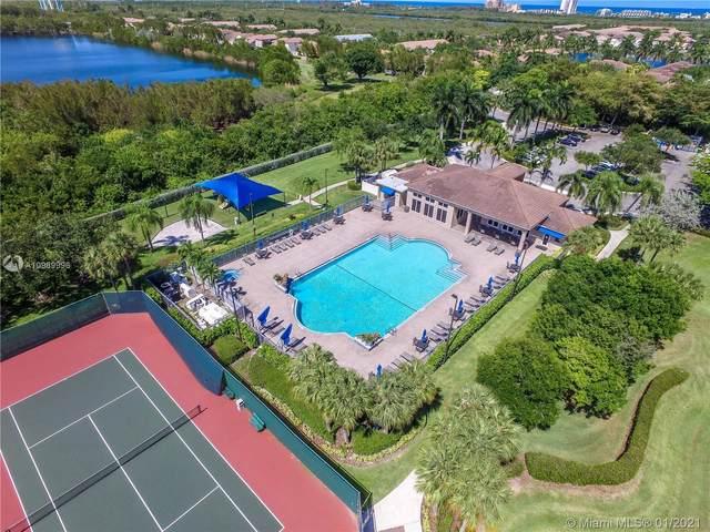 1115 Linden St, Hollywood, FL 33019 (MLS #A10969996) :: Carole Smith Real Estate Team
