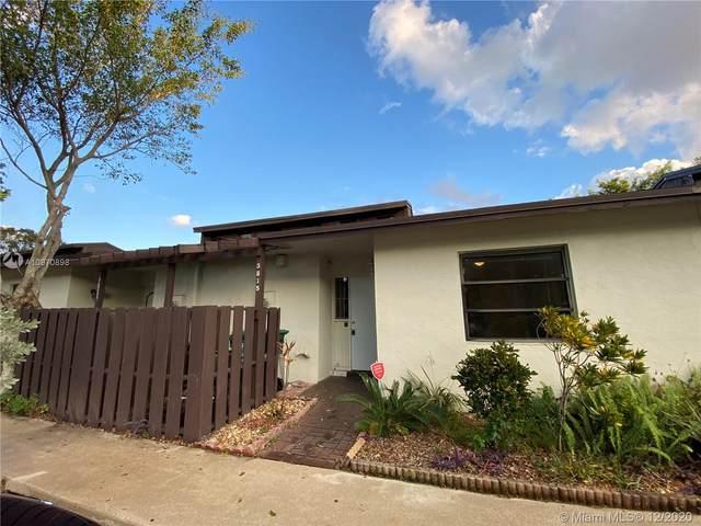 3815 SW 69th Ave 13-L, Miramar, FL 33023 (MLS #A10970898) :: Carole Smith Real Estate Team
