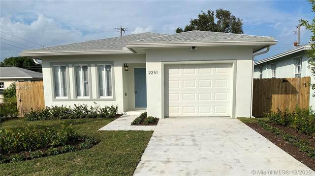 2251 Farragut St, Hollywood, FL 33020 (MLS #A10971571) :: Albert Garcia Team