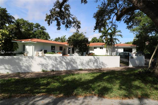 2310 Country Club Prado, Coral Gables, FL 33134 (MLS #A10971670) :: The Paiz Group