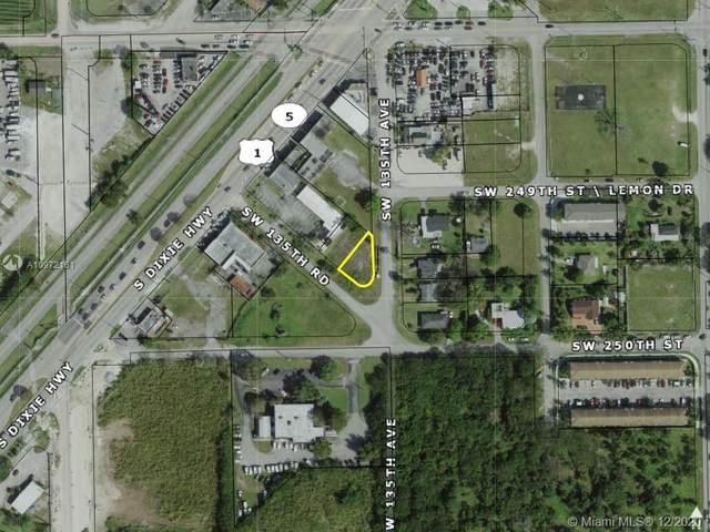 Sw 135th Ave, Miami, FL 33032 (MLS #A10972161) :: Compass FL LLC
