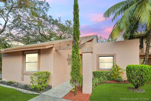 22 Chestnut Cir ., Cooper City, FL 33026 (MLS #A10972426) :: THE BANNON GROUP at RE/MAX CONSULTANTS REALTY I